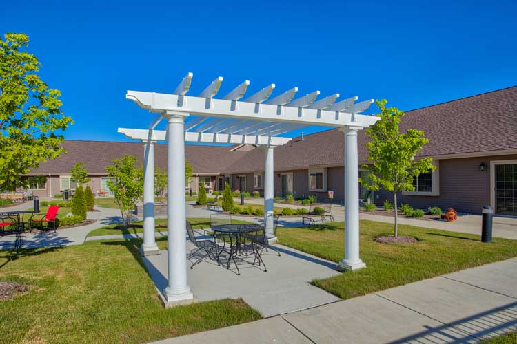 Image Gallery | Courtyard at Charter Senior Living of Bay City