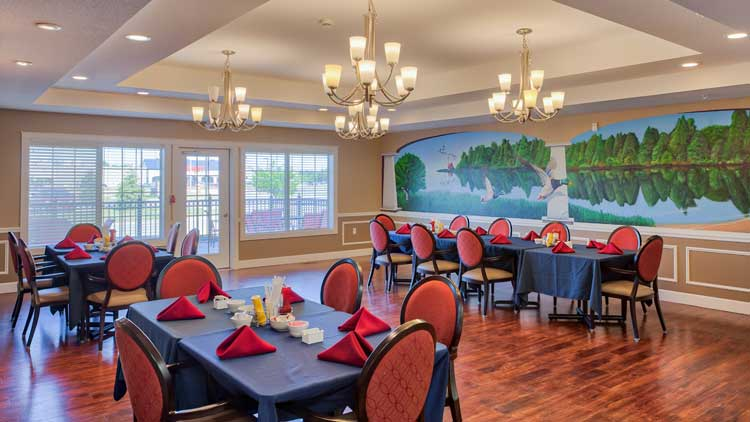 Image Gallery | Community Dining Room at Charter Senior Living of Bay City